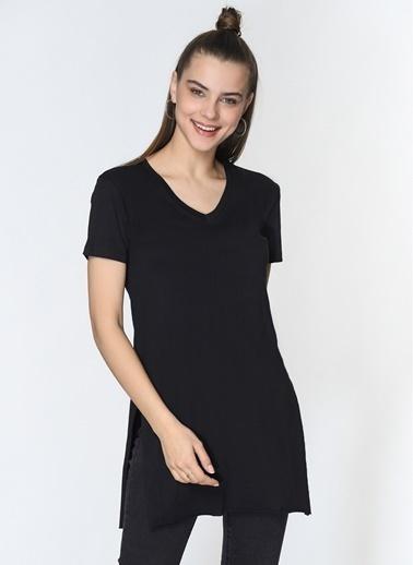 Loves You V Yaka Yırtmaçlı %100 Cotton T-Shirt Siyah